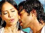 Navdeep Hot Romance With Kim Sharma