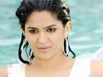 Deeksha Seth Pairs Up With Gopichand