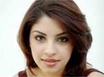 Richa Says Happy Work With Ravi Teja 210111 Aid
