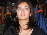 Akshara Hassan Is Stepping Into Acting 290811 Aid