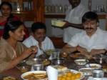 Hero Vivek Oberoi Pays Tributes Paritala Ravi