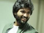 Vijay Devarakonda Get Engaged His Girl Friend Vimmy Is Rumor