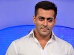 Salman Khan Rekha Reunite After 30 Years