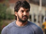 Hero Jai Caught Chennai Police Violating Traffic Rules