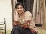 Anjali Beats Her Director The Set
