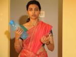 Radhika Apte Reveals Her Co Star Offered Midnight Backrub