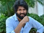 Nota Promotion Vijay Deverakonda Satire On Corrupted Political Leaders