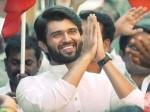 Vijay Deverakonda I Like Chandrababu Naidu Kcr