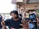 Allu Arjun Gets Grand Welcome At Cochin Airport