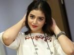 Taxiwaala Heroine Priyanka Jawalkar Romance With Ravi Teja