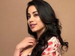Janhvi Kapoor S Look Pilot Gunjan Saxena Biopic