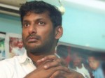 Producers Riot Against Tfpc President Vishal Lock Office Hand Over Key To Cops