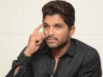 Actress Kiara Advani Romance With Allu Arjun