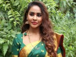 Srireddy Controversial Comments On Victory Venkatesh F2 Movie