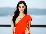 Evelyn Sharma Stalked A Fan On The Sets Prabhas Starrer Saaho
