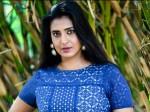 Senior Actress Latha Gives Strong Warning To Kasthuri Over Her Comments On Mgr