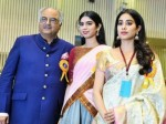 Khushi Kapoor Make Her Bollywood Debut Here S What Sister Janhvi Kapoor Has To Say