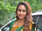 Sri Reddy Waiting For Nayanthara S Marriage With Vignesh
