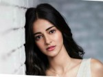Ananya Panday I Am In Love With Varun Dhawan And It S A Bit Awkward