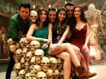 Hot Pooja Hegde With Akshay Kumar