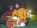 Vijay Deverakonda Promoting Dear Comrade In Different Style