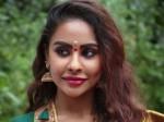 Sri Reddy Comments On Prabhas Behaviour