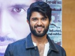 Vijay Deverakonda Shocking Look At Siima Awards
