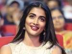 Pooja Hegde Reaction On Audience Responce For Elluvocchi Godaramna Song