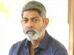 Jagapati Babu Comments On Sye Raa Narasimhaa Reddy Director