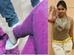 అనుమానాలు రేకెత్తిస్తున్న శ్రీరెడ్డి..వేరే వ్యక్తి కాలిపై కాలేసి..పూలతో రాస్తూ..నీ లవరా అని అడిగితే