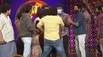 అమ్మాయిని వేధిస్తున్న జబర్ధస్త్ టీమ్ లీడర్: రాజీవ్ కనకాల షోలో గొడవ.. స్టేజ్ మీదే కమెడియన్పై దాడి