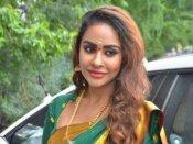 నయనతారకు, దర్శకుడికి మధ్య ఎఫైర్... వీరి 'సం'బంధంపై శ్రీరెడ్డి హాట్ కామెంట్!