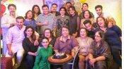 కపూర్ ఖాందాన్ ఫోటో వైరల్.. రిషి కపూర్ ఇకలేరంటూ కర్మిషా ఎమోషనల్