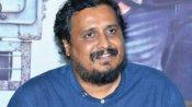 కంటతడి పెట్టిన దర్శకుడు శ్రీరాం వేణు.. ఓదార్చిన దిల్ రాజు.. వకీల్ సాబ్ సక్సెస్ సెలబ్రేషన్స్లో ఎమోషనల్గా
