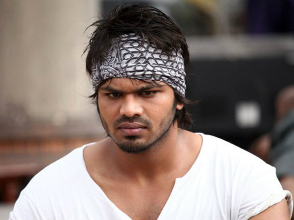 Manchu Manoj new film title 'Current Teega'