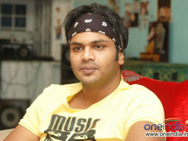 Manchu Manoj's Son of Pedarayudu ready only with title!