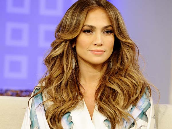 Jennifer Lopez goes topless for film