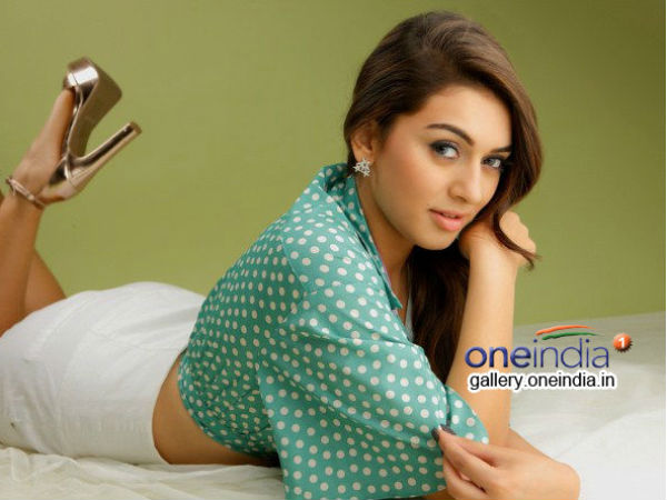 Photo:Hansika preparing clay pots