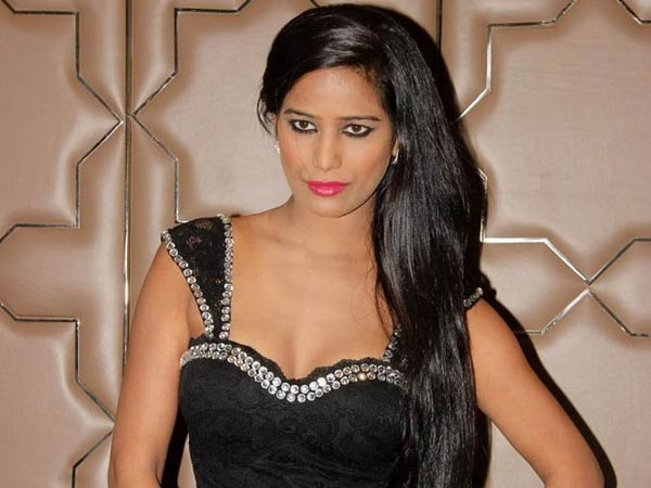 High Court quashed warrant against Poonam Pandey