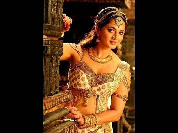 Rudramadevi shooting spot video leaked