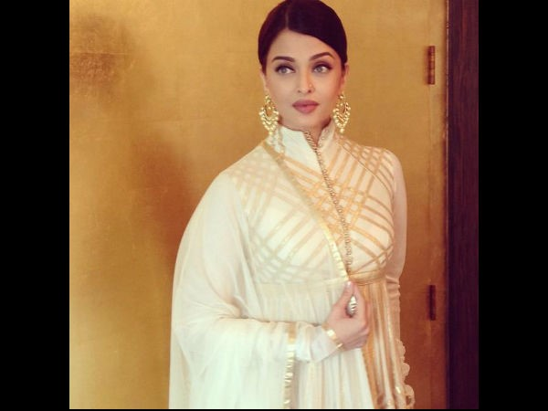 Aishwarya Rai Looks 'Out Of This World' At Jewellery Store Launch