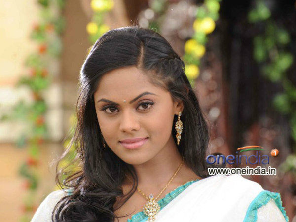 Karthika Nair tries to Kill Arun Vijay by driving car