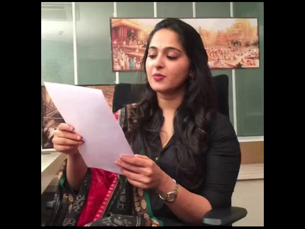 Anushka live chit chat with Fans