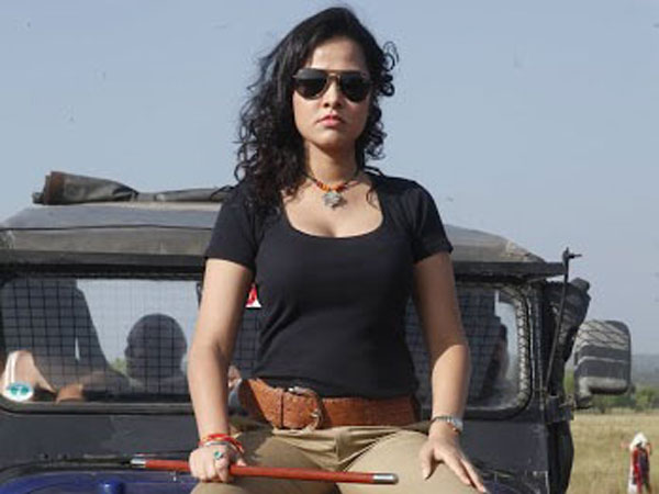 Nisha Kothari Starring Bullet Rani Trailer Released