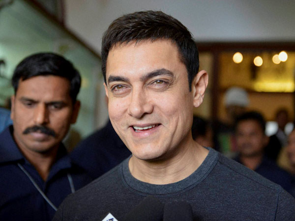 Response to Aamir Khan's casting tweet makes server crash