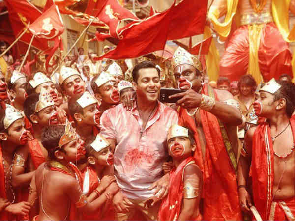 Salman wants 'Bajrangi Bhaijaan' to be made tax-free