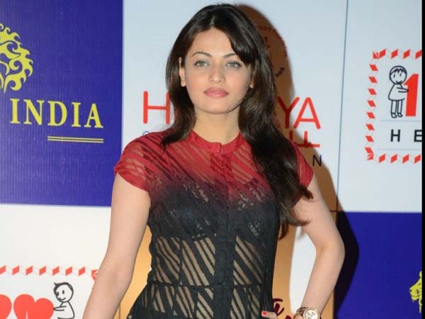 Sneha Ullal  shocking tweet on blow job