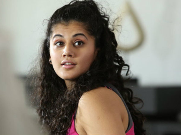 Director Selvaraghavan scolds Taapsee for extra revelation