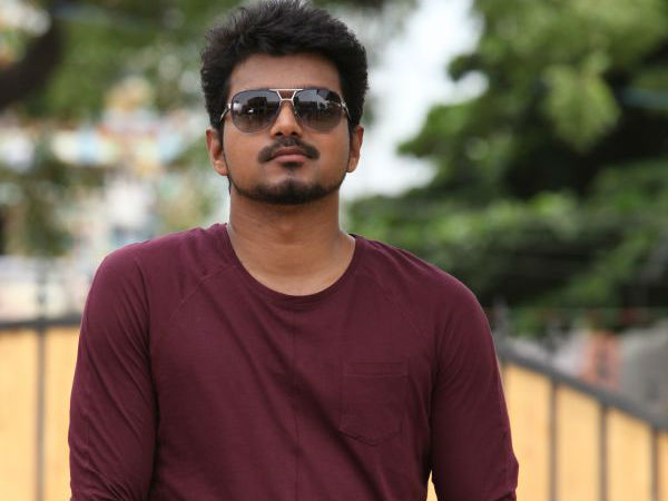 Ilayathalapathy Vijay Scold Director Chimbu Deven For Postponing Puli?