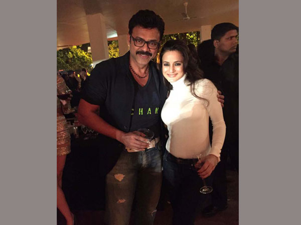 Venkatesh poses a selfie with Salman Bhai